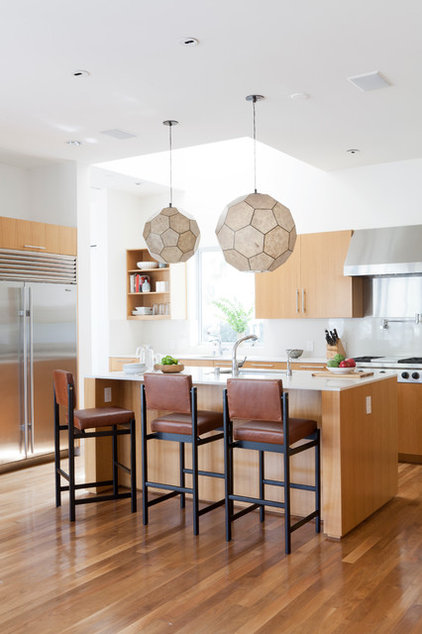 Contemporary Kitchen by DISC Interiors