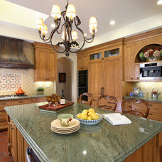 Traditional Kitchen by Culbertson Durst Interiors