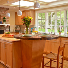 Traditional Kitchen by Rehder Construction, Inc.