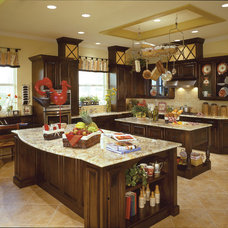 Traditional Kitchen by Sater Design Collection, Inc.