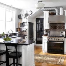 Traditional Kitchen by Urrutia Design