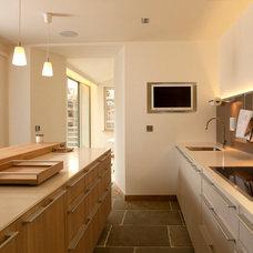 Contemporary Kitchen by Edinburgh Project Management