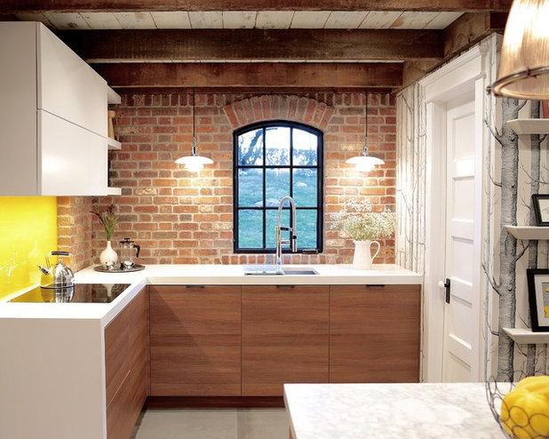 10 idee per abbinare cucina in legno e paraschizzi - Paraschizzi per cucina ...
