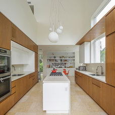 Modern Kitchen by NC-office