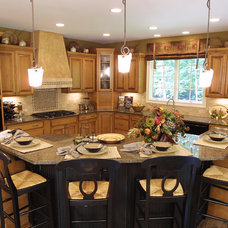 Traditional Kitchen by The Schnicke Company