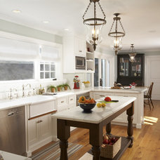 Traditional Kitchen by Mahoney Architects and Interiors