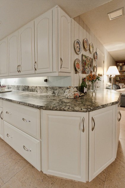 Traditional Kitchen by Floor To Ceiling