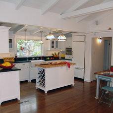 Traditional Kitchen by Danielle Grenier