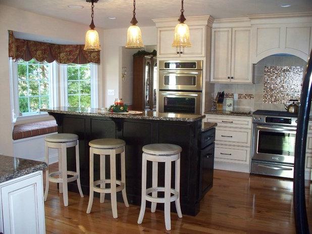 Traditional Kitchen by Pamela DeCuir Interior Designs
