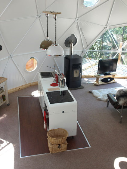Modern Kitchen by Go Glamping