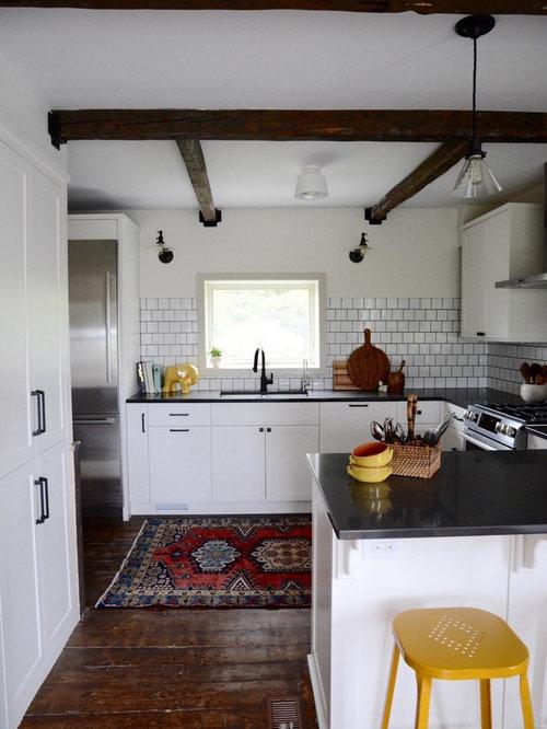skandinavische k chen mit dunklem holzboden ideen bilder. Black Bedroom Furniture Sets. Home Design Ideas