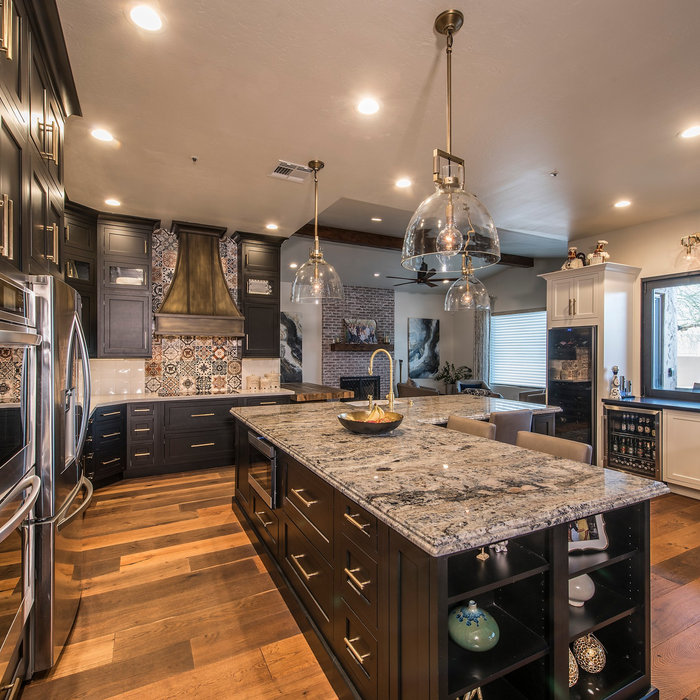 Scottsdale Large Transitional Kitchen