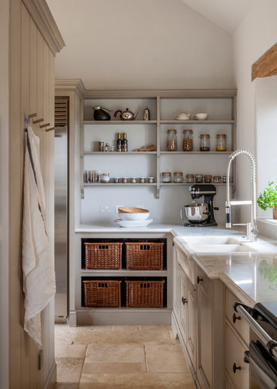 Farmhouse Kitchen by Artichoke