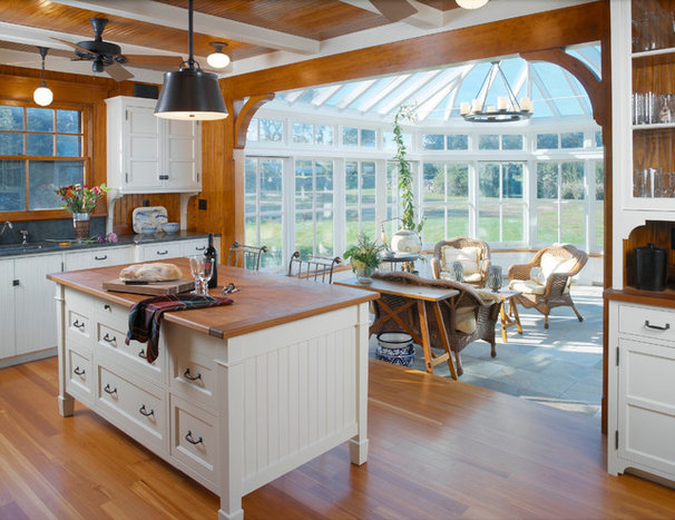 Traditional Kitchen by Baud Builders, Inc.