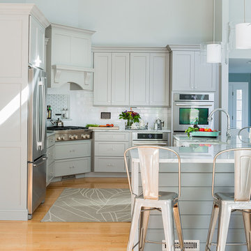 Sea Clay Gray Kitchen with Corner Cooktop