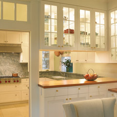 traditional kitchen by Gast Architects