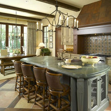 Traditional Kitchen by Golden Isles Custom Homes, LLC