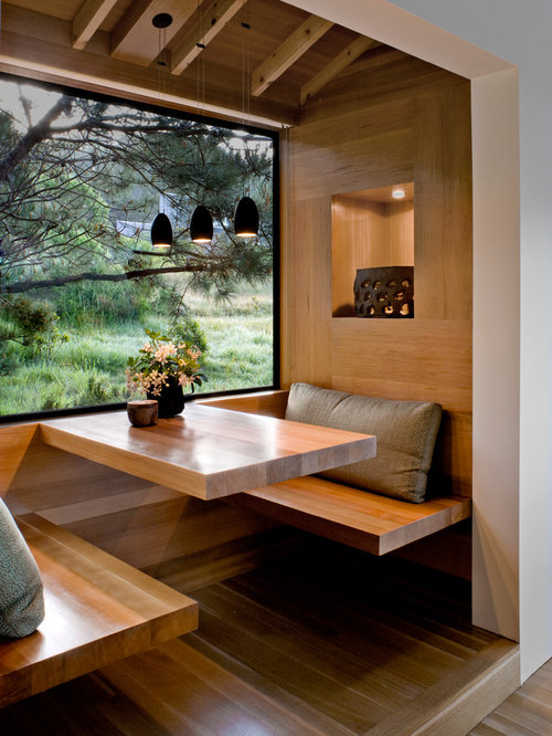 Inspiration for a rustic light wood floor eat-in kitchen remodel in San  Francisco