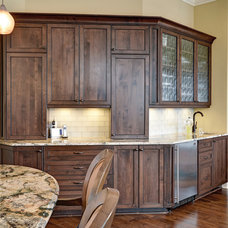 Traditional Kitchen by Architrave