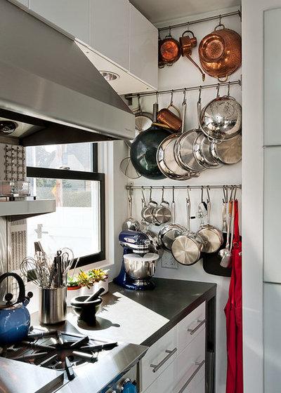 Современный Кухня by Patty Kennedy Interiors, LLC