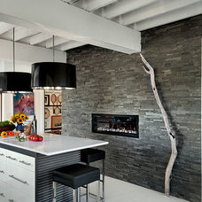 Modern Kitchen by Patty Kennedy Interiors, LLC