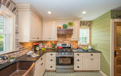 Kitchen of the Week: Country Warmth for a Couple of Collectors
