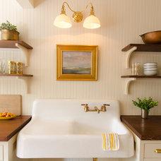 Beach Style Kitchen by Emerick Architects