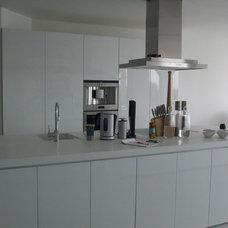 Modern Kitchen by Angel Mangarakov