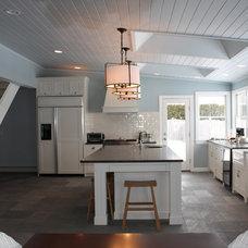 Traditional Kitchen by Holly Joe Interiors, LLC