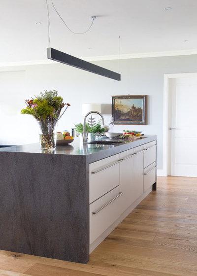 Contemporary Kitchen by Camilla  Pringle Interiors