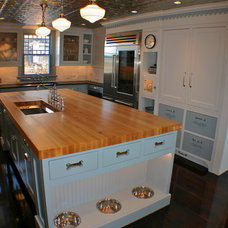 traditional kitchen by Artisan Kitchens LLC