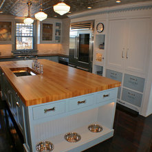 Traditional Kitchen By Kitchens Inc