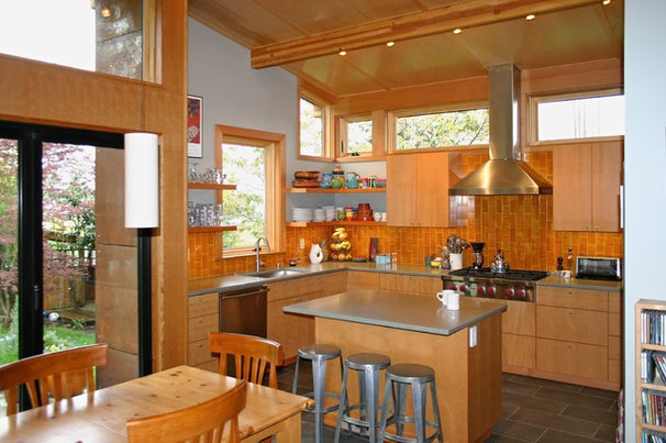 Contemporary Kitchen by Tom Kuniholm Architects, AIA