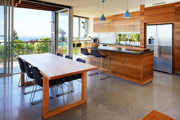Contemporary Kitchen by Mackenzie Pronk Architects