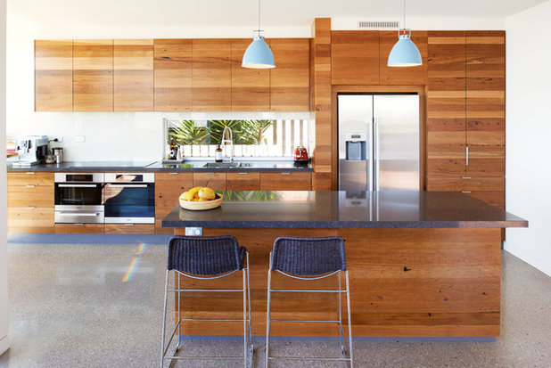 Which Kitchens Go With Wooden Concrete And Tiled Floors