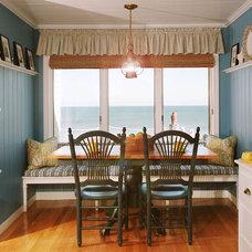 Traditional Kitchen by Jennifer Bardsley