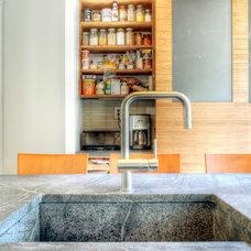Modern Kitchen by Re:Vision Architecture