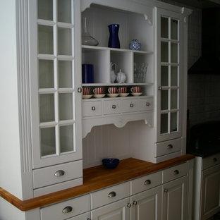 ストックホルムのヴィクトリアン調のおしゃれなキッチンの写真