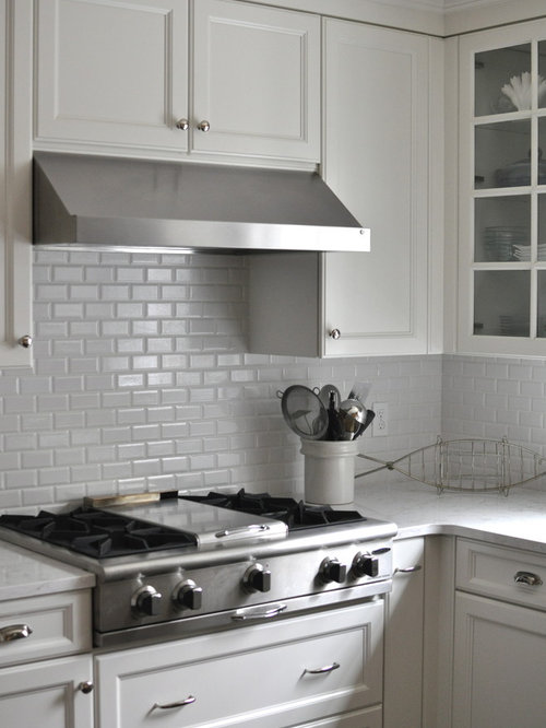 Traditional kitchen designs - Example of a classic kitchen design in Grand  Rapids