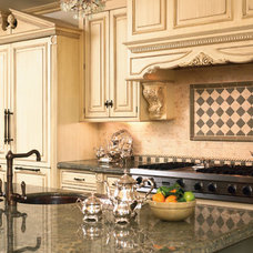 Traditional Kitchen by Kitchens On Montana