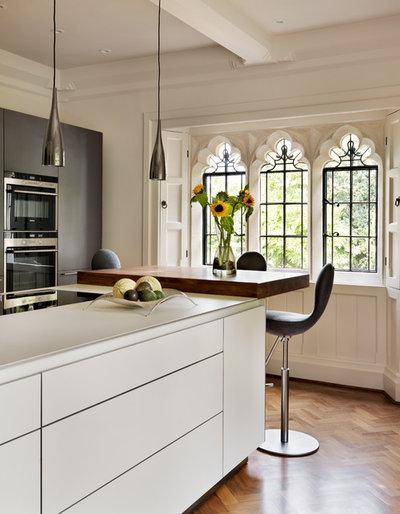 Viktorianisch. Minimalistisch. Küche.