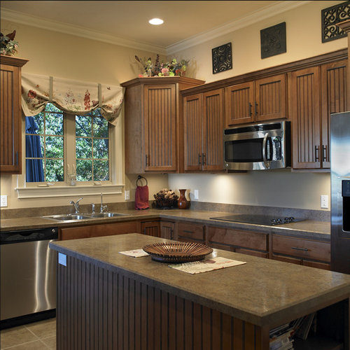 Traditional Kitchen Design Ideas & Remodel Pictures with a Drop-In ...