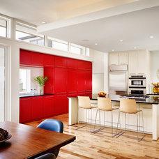 Contemporary Kitchen by Dunnam Tita Architecture + Interiors