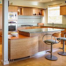 Contemporary Kitchen by Berkeley Mills