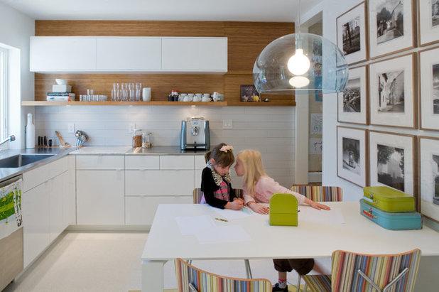 Modern Kitchen by DRAW Architecture