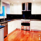 Golf Course Reno - Pretty Kitchen - Traditional - Kitchen - Toronto - by Bloomsbury Kitchens and ...