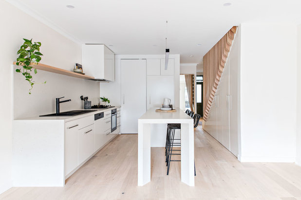 Contemporary Kitchen by Kitty Lee Architecture