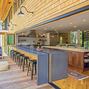 Beau Large Beach Style Open Concept Kitchen Designs   Inspiration For A Large  Beach Style L