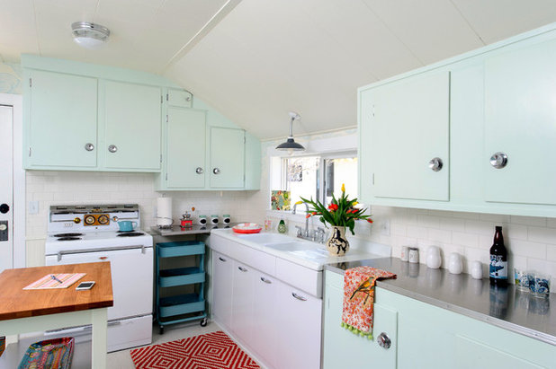 Retro Cocina by Sarah Phipps Design