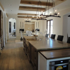 Farmhouse Kitchen by THE KITCHEN LADY, Enriching Homes With Style